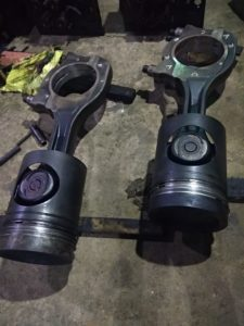 Connecting rods under inspection